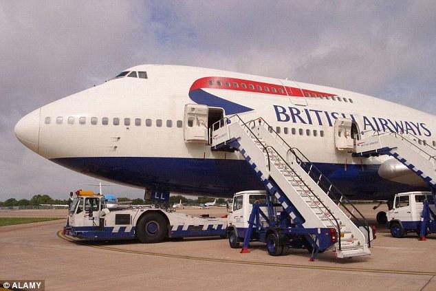 Kết hợp cùng hãng hàng không quốc tế để chuyển phát hàng hóa