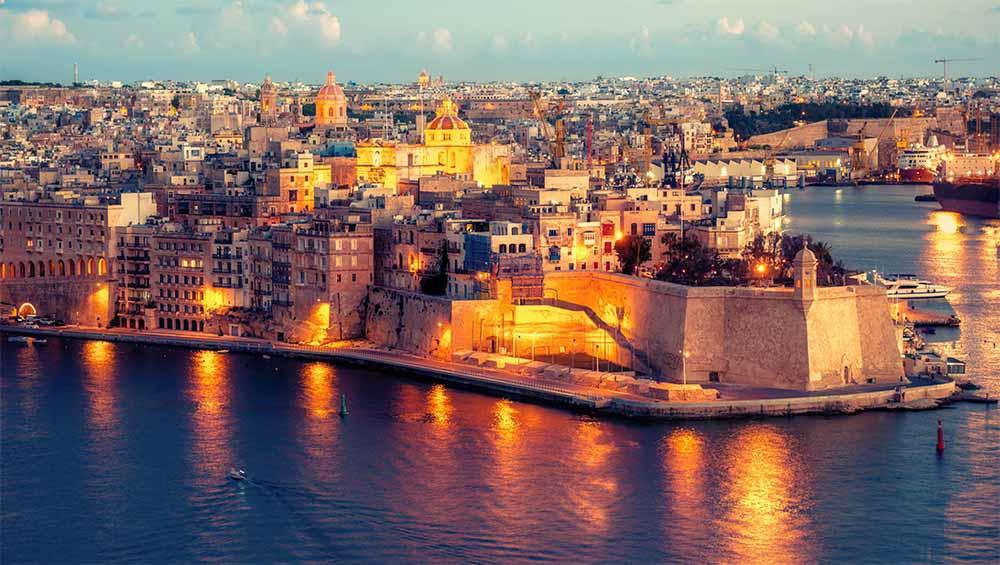 Dịch vụ chuyển phát nhanh đi Malta giá rẻ tại Sài Gòn Bay