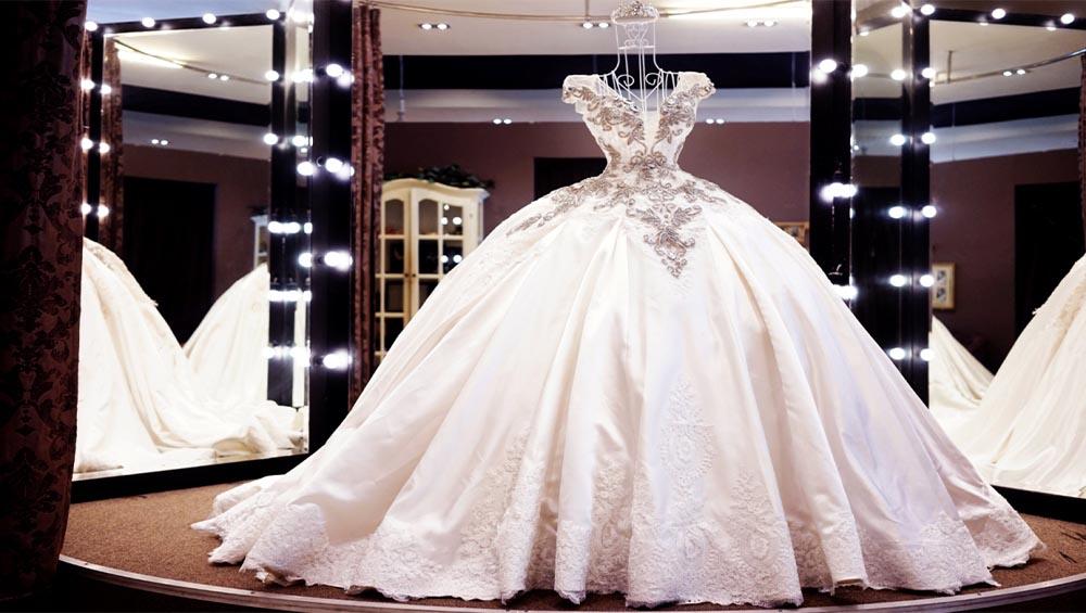 Dịch vụ vận chuyển hàng áo cưới đi quốc tế của Sài Gòn Bay