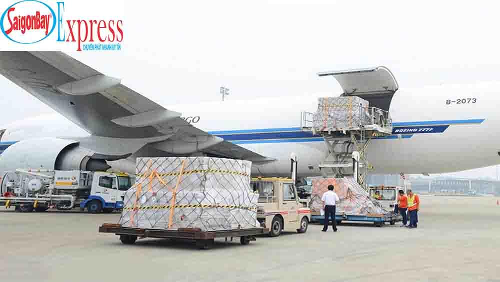 Dịch vụ vận chuyển giày dép đi Pháp của Sài Gòn Bay